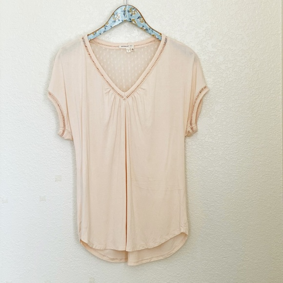 Anthropologie Tops - Anthropologie Meadow Rue Blush V-Neck Blouse Small